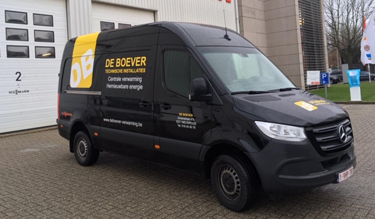 Ontwerp De Boever logo en bestickering bestelwagen